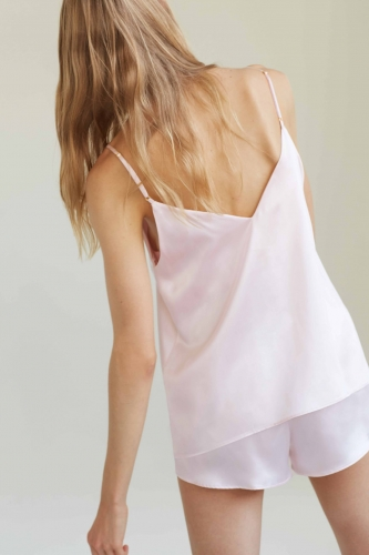 BY-DARIIADAY_25880_silk_top_short_pink2_web.jpg
