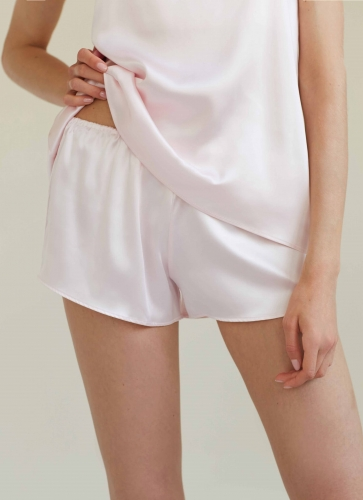 BY-DARIIADAY_25906_silk_shorts_pink2_web.jpg