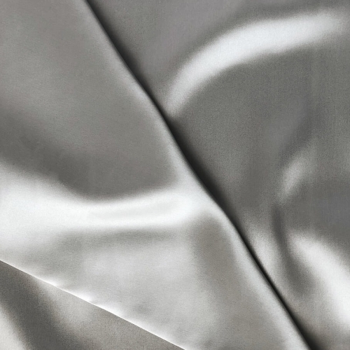 SilkPillowcase_byDariiaDay_Closeup_Grey_web.jpg